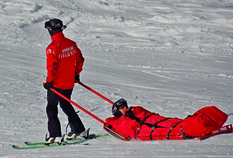 Intervenție a salvatorilor montani într-o zonă greu accesibil�