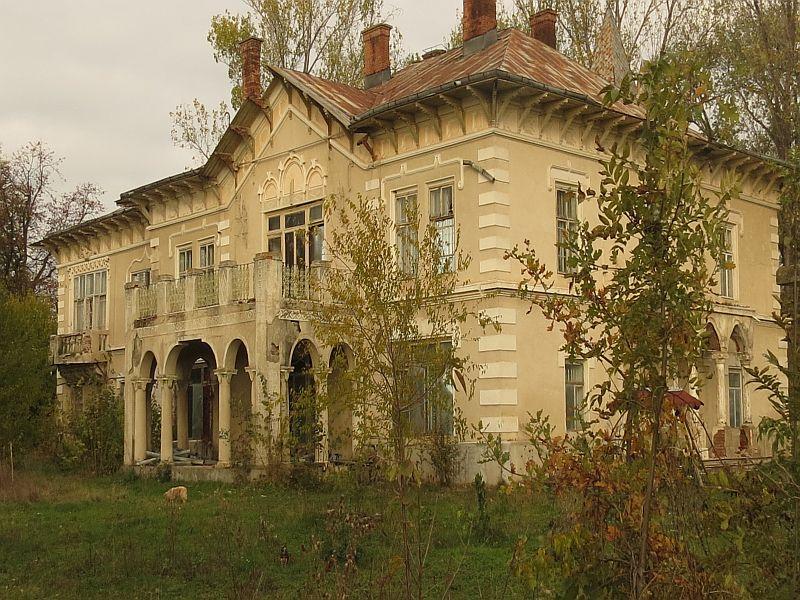 Moștenirea boierului Bogdan de la Gâdinți:conacul – o bijute