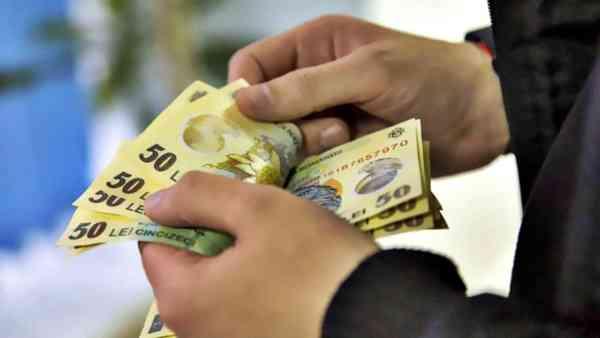Salariul minim brut crește cu 3%