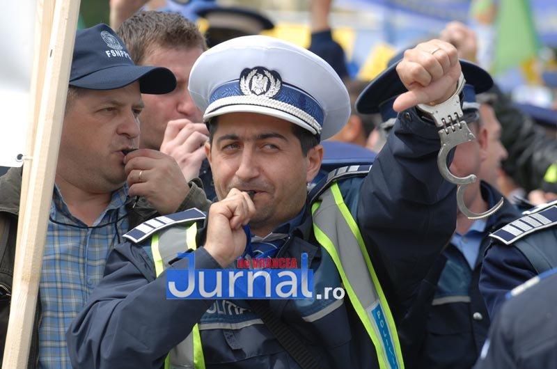 Scandal monstru la Suceava după ce zeci de polițiști au picat