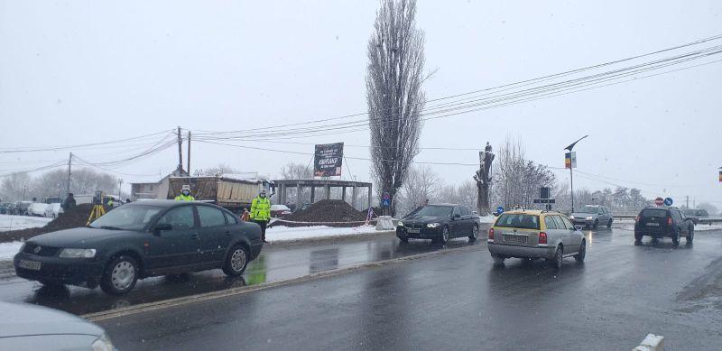 Video. Sens giratoriu din piatră la intrarea în Târgu Neamţ