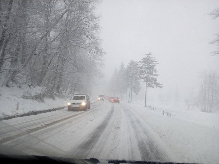 Atenție șoferi! Cod galben de ninsori!