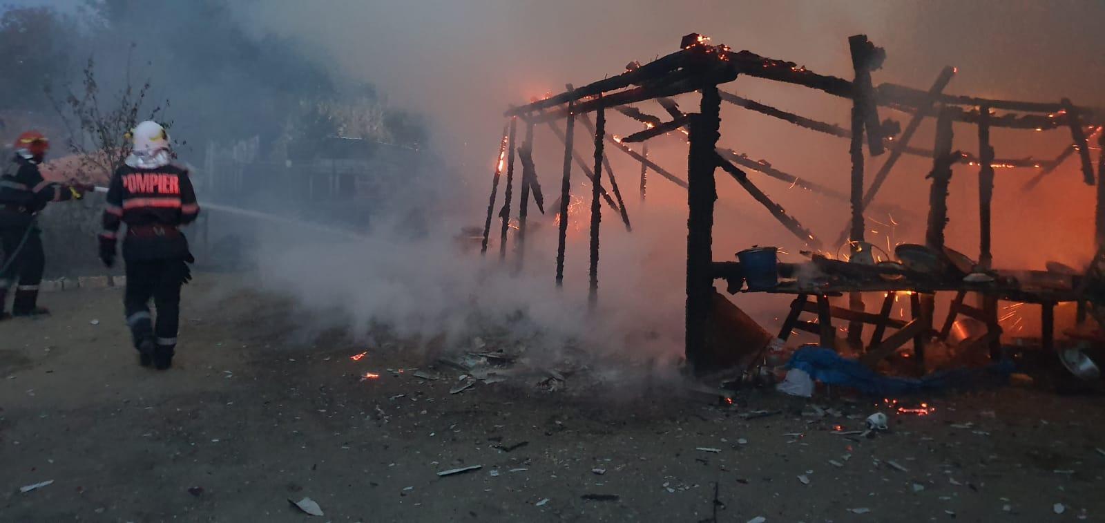 Două incendii, fără victime, în localitățile Orbeasca și V