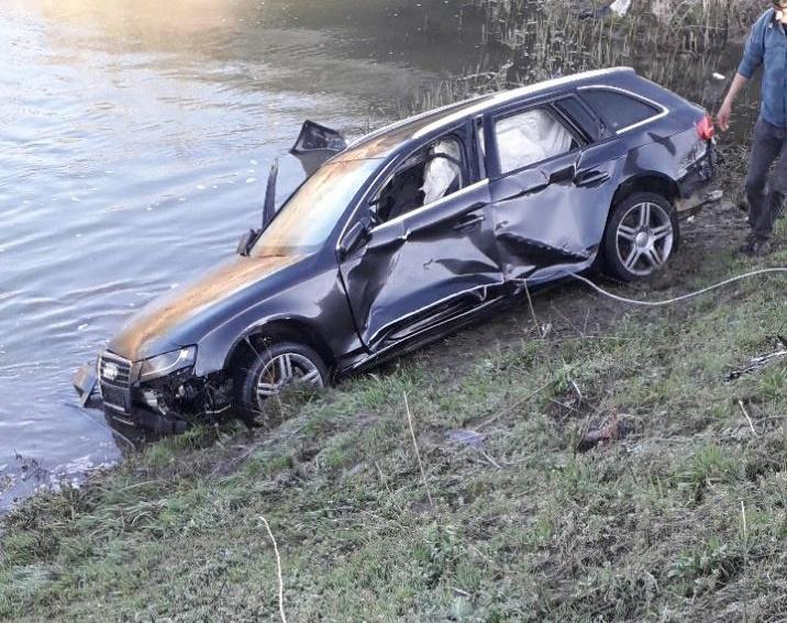 Autoturism răsturnat în râul Teleorman. Un tânăr de 27 de an