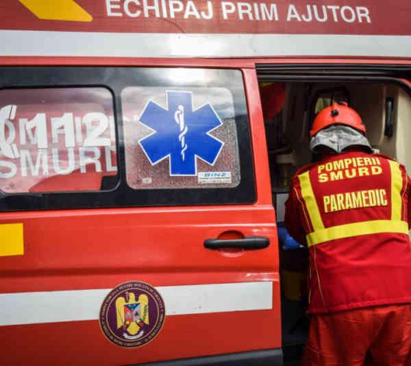 Tragedie în Susenii Bârgăului! Un bărbat a căzut într-o fâ