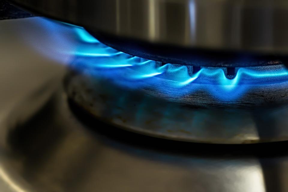 Megbírságoltak négy gázszolgáltatót, mert emelni akarták a
