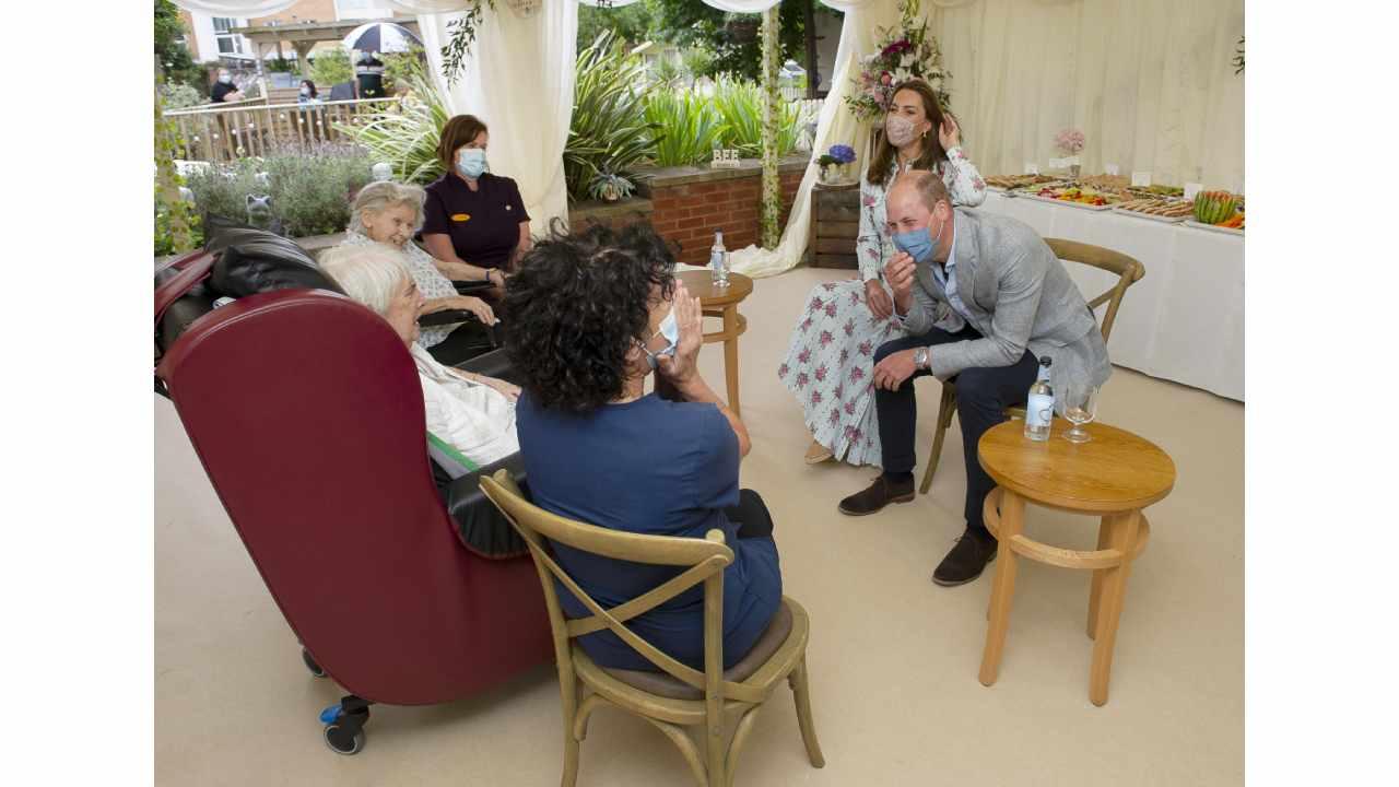 Prințul William și Kate Middleton, lăsați fără reacție de o bătrână de 87 de ani