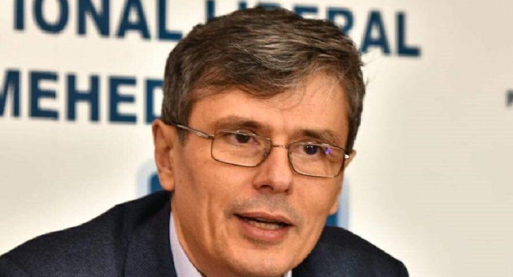 """Obrăznicia ministrului Popescu: cei care protestează nu sunt """"normali, cu scaun la cap"""""""