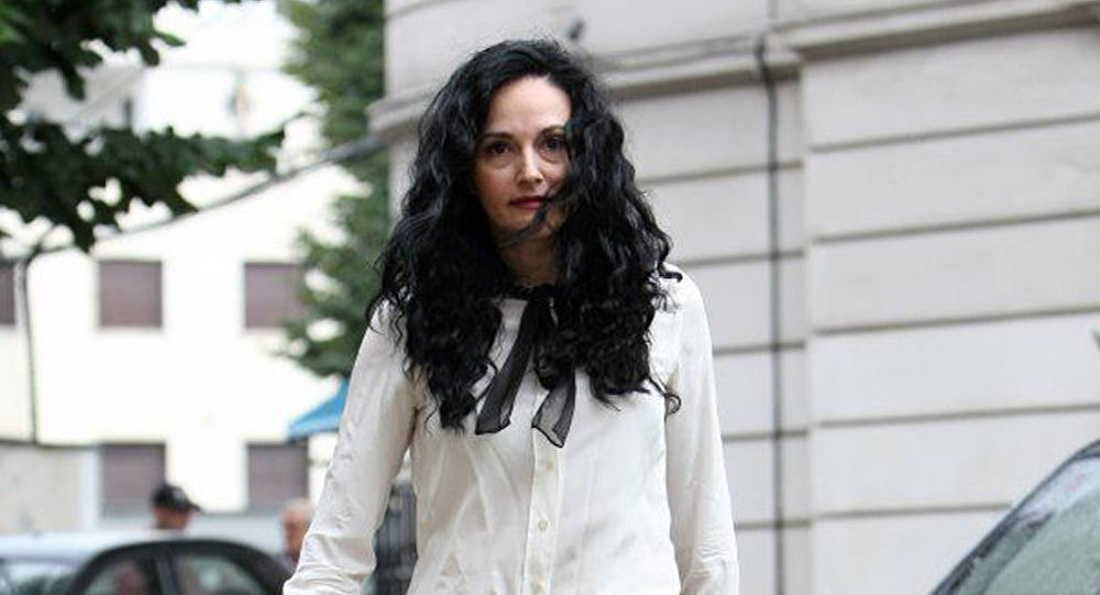 Știrea serii: Cea mai căutată fugară, fosta procuroare Alina Bica, a fost capturată!