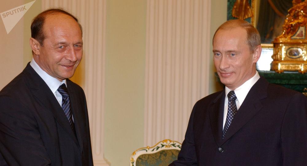 """Băsescu, declarație surpriză despre Vaccinul lui Putin: """"Dacă aș putea, m-aș duce la el!"""""""