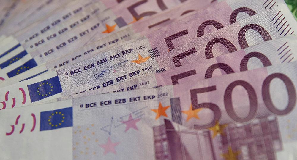 Statul dă 2000 de euro românilor – ce condiții trebuie îndeplinite
