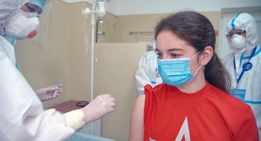 Voluntarii care au testat vaccinul împotriva COVID-19 au fost supuși examenului final