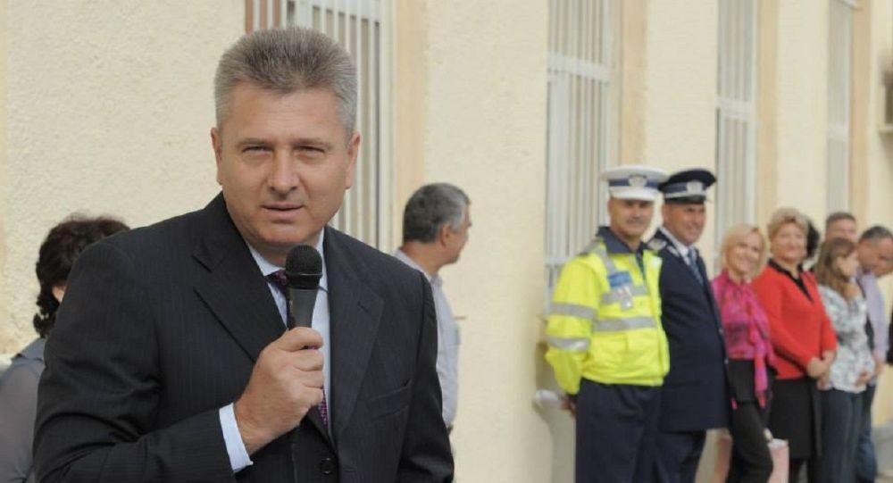 Admonestat bărbătește de soțul lui Firea, Orban a dat înapoi