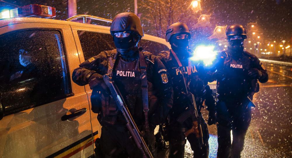 Poliția, percheziții ample în București și în 6 județe