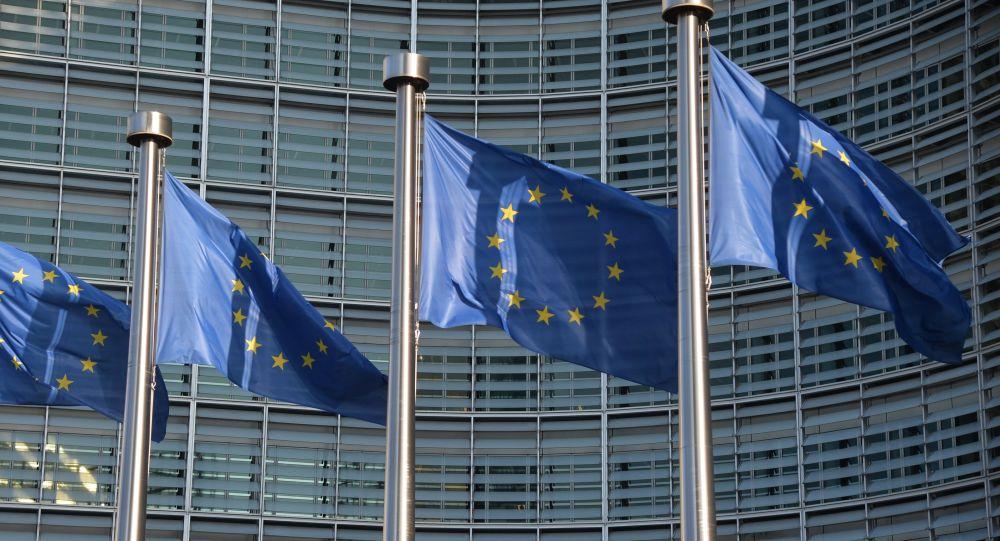 Polonia, Lituania și România solicită UE să acorde Belarusului regim fără viză