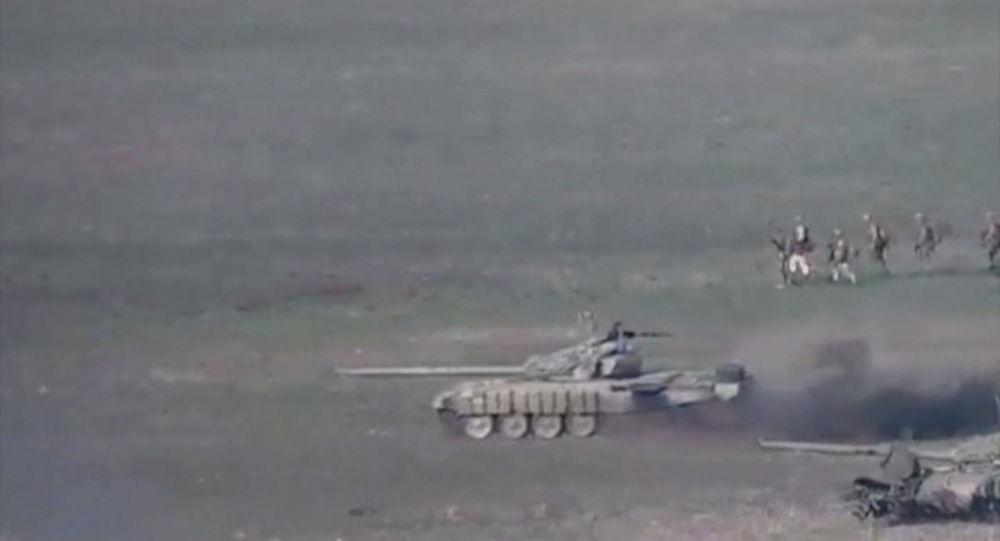 Video: Armenia arată cum a distrus tancurile Azerbaidjanului