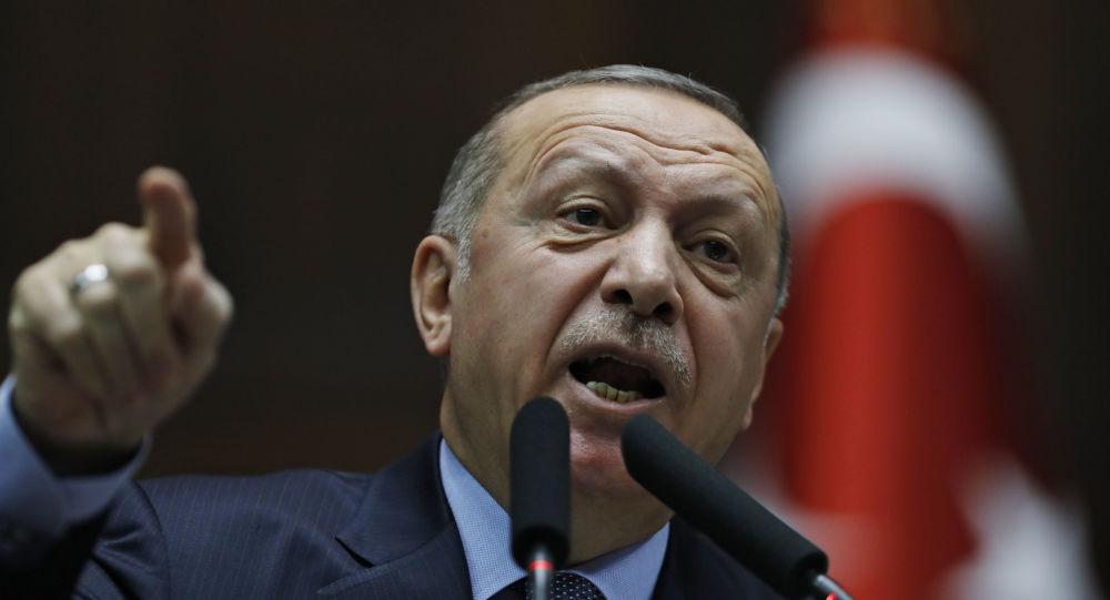 Erdogan acuză Rusia, SUA și Franța de înarmarea Armeniei