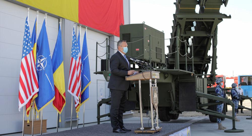 Scandalos: România nu are bani, dar cumpără din SUA arme mai s