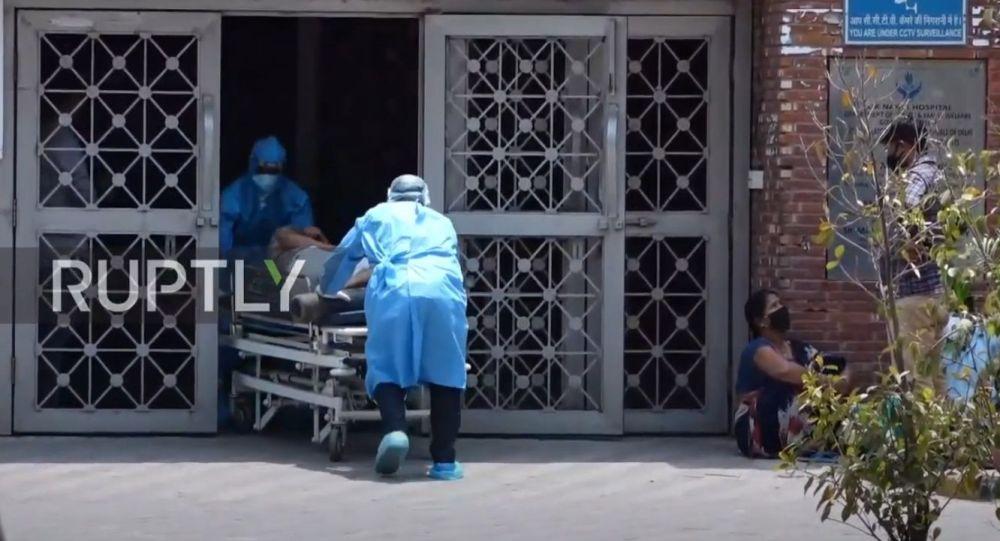 VIDEO: Aflux de pacienți COVID în spitalele din New Delhi