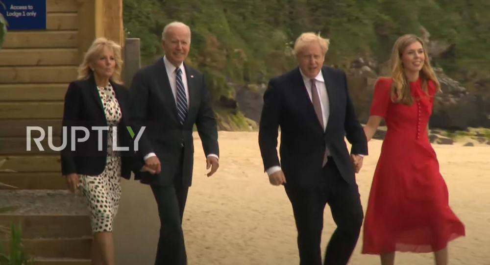 Biden se întâlnește cu Johnson pentru semnarea unei noi Carte