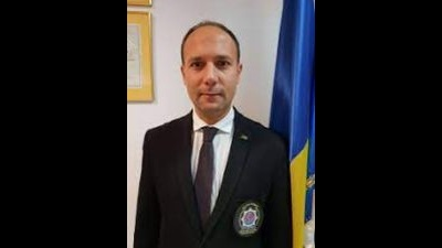 DENUNT PE OFITER – Secretarul general al Asociatiei Internation